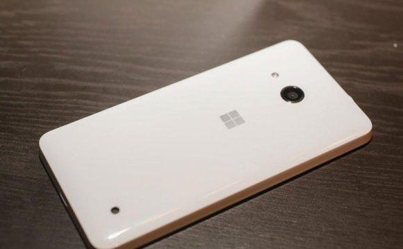 Microsoft Lumia 550-задняя