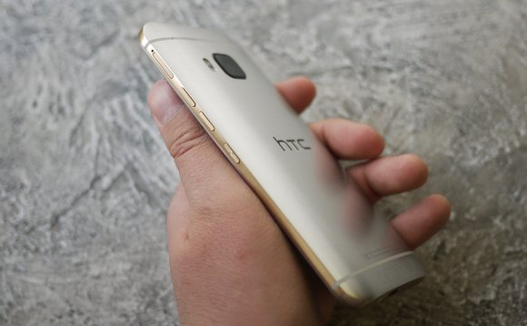 Обзор смартфона HTC One M9: