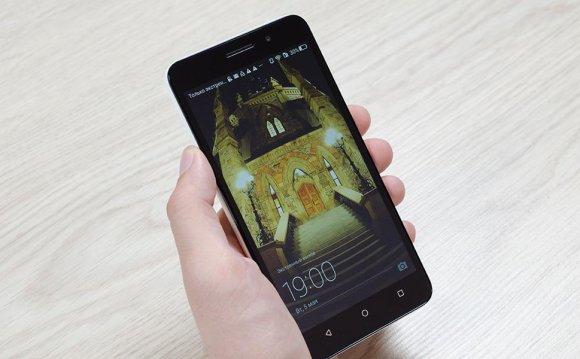 5,5-дюймовый смартфон Huawei