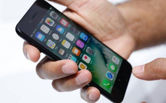 Анонс iPhone 7, раскладушка от